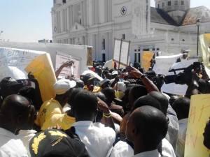 Haiti : Les capois marchent de nouveau pour leur aeroport