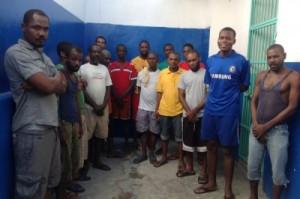Yo arete plis ke 20 Jamayiken pou trafik dròg avèk zam an Haiti