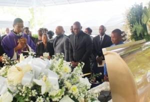 Le père de l'acteur Haïtien Jimmy Jean Louis a rejoint  sa dernière demeure