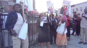 Mafestasyon kont kadinal Chibly Langlois nan New York paske li sipòte Prezidan Martelly (VIDEO)