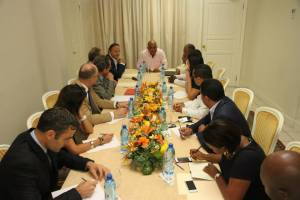 Haiti : Le Président du Sénat français, Jean-Pierre Bel, surpris par nos politiciens