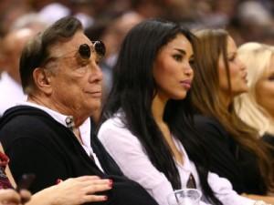 Mèt ekip NBA Los Angeles Clippers la pa vle mennaj li asosye ak moun nwa