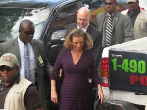 Haiti: Pamela White rencontre les partis de l'opposition sous haute tension