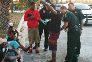 Polis arete 8 imigran Haitien sou yon plaj nan Florida