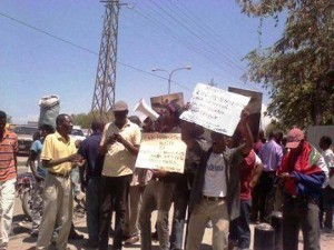 Haiti: Mobilisation pour essayer d'empêcher à Laurent Lamothe de recevoir décharge