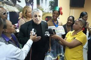 Haiti: Le chanteur, musicien, compositeur et acteur Enrico Macias à Port-au-Prince