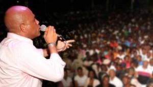 Echanges grossiers entre le président Martelly et une opposante (AUDIO)
