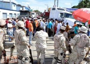 Haiti: 20,000 emplois menacés à cause de la grève des transporteurs dominicains