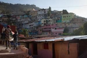 Haiti: : Des bidonvilles repeints aux grands hôtels pour ONG